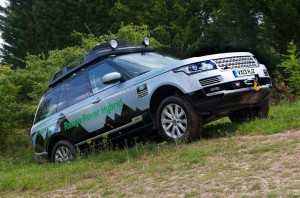 Land-Rover-Range-Rover-Hybrid-front-three-quarter-796x528