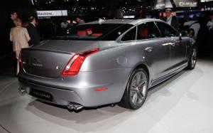 2014-Jaguar-XJ-R-rear-right-view2
