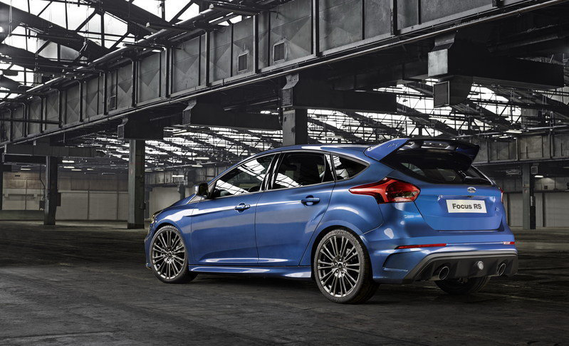 2016-ford-focus-rs_2