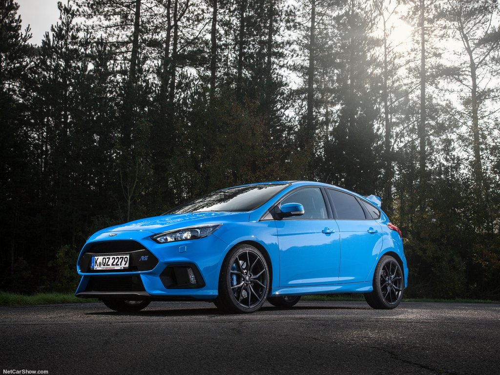 Ford-Focus_RS_2016_1024x768_wallpaper_04