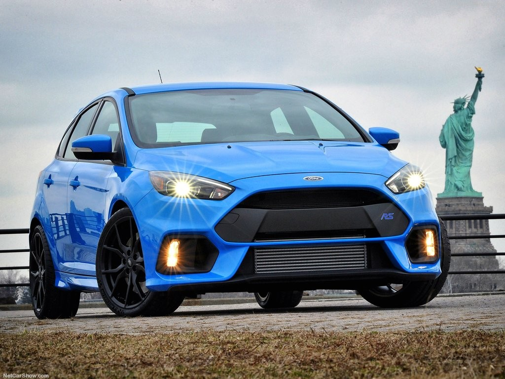 Ford-Focus_RS_2016_1024x768_wallpaper_06