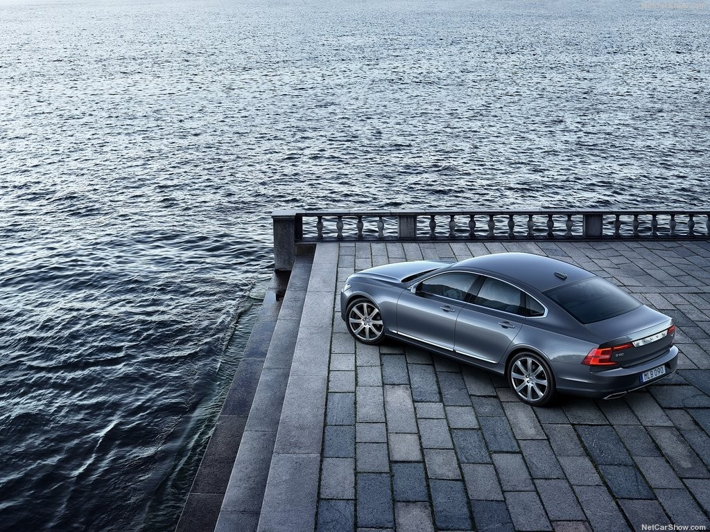 Volvo-S90_2017_1024x768_wallpaper_08